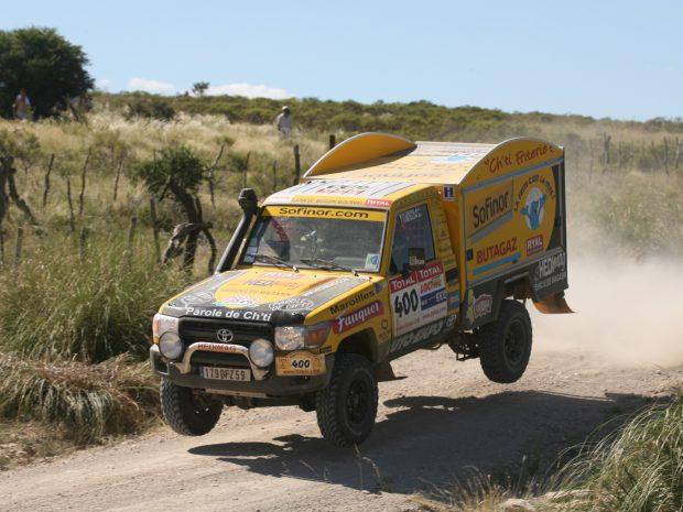 M6 – Le 6 minutes – La Ch'ti Friterie concurrent surprise du Dakar 2009