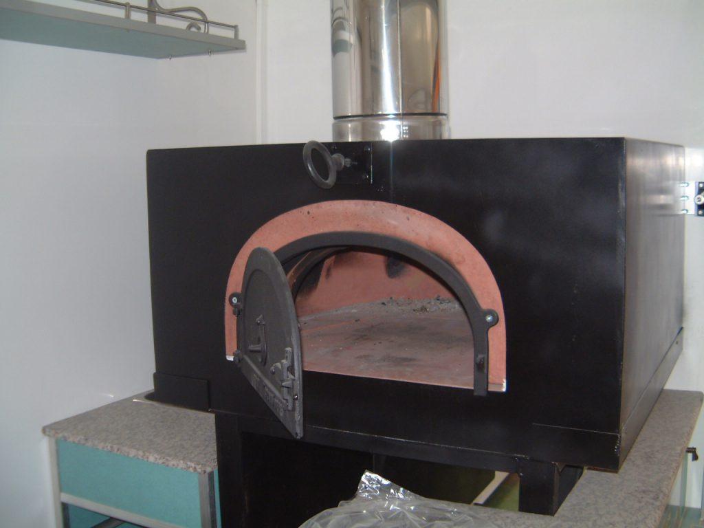 remorque 250 pizzetta ou p tes hedimag fabricant de food trucks et v hicules magasins. Black Bedroom Furniture Sets. Home Design Ideas
