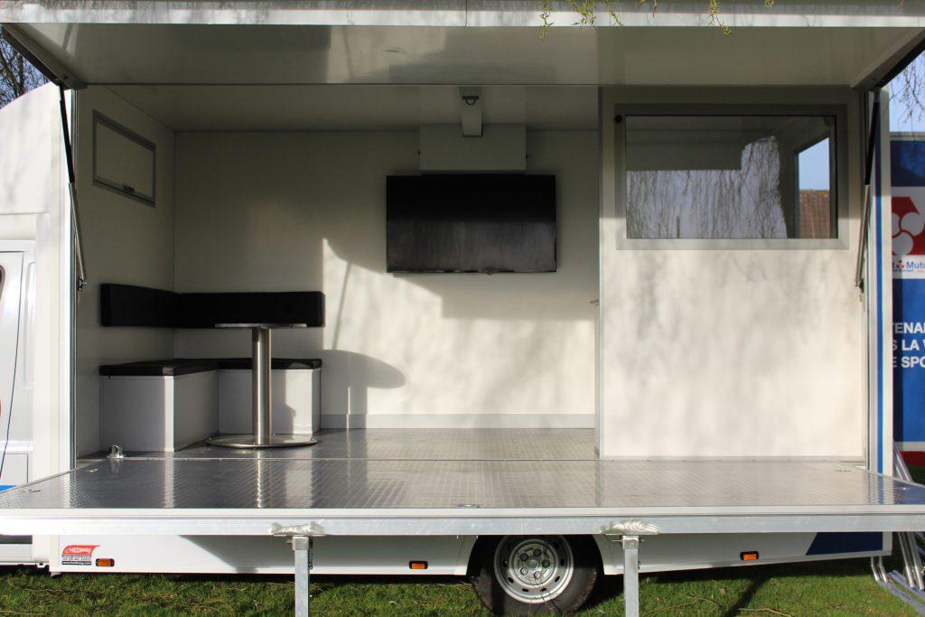 camion podium hedimag podium mobile camion évènementiel