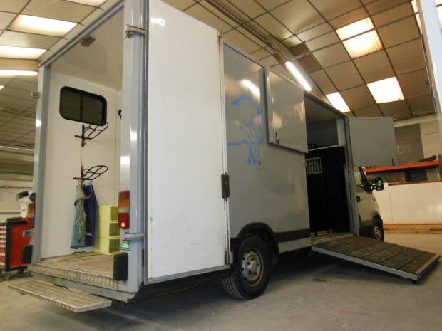 Camion Transport de Chevaux – Ref C041