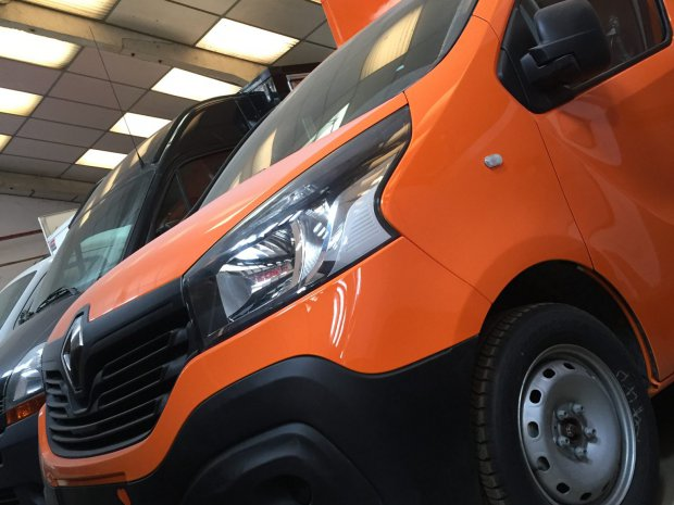 Renault Trafic NEUF Food Truck – Ref C050