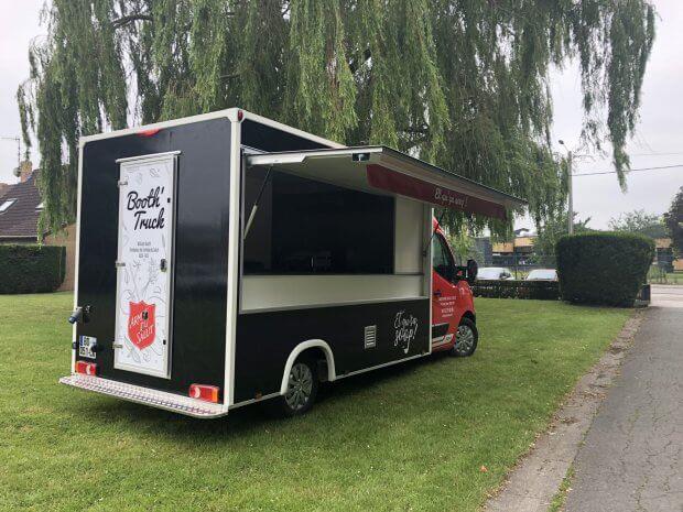 L'Armée du Salut et son food truck