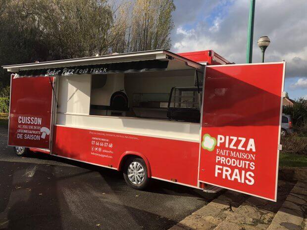 Camion pizza feu de bois