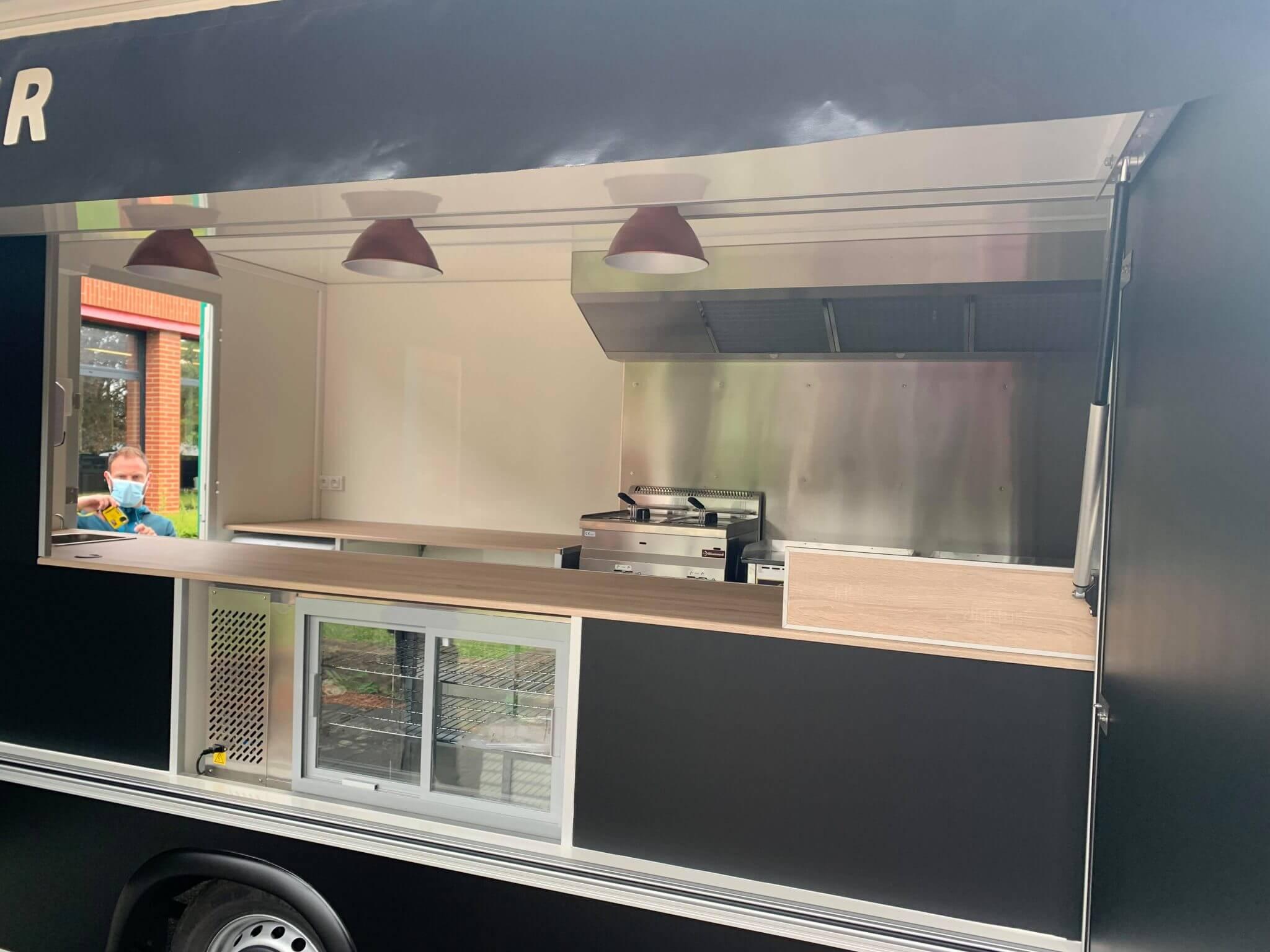 mother burger food truck hedimag